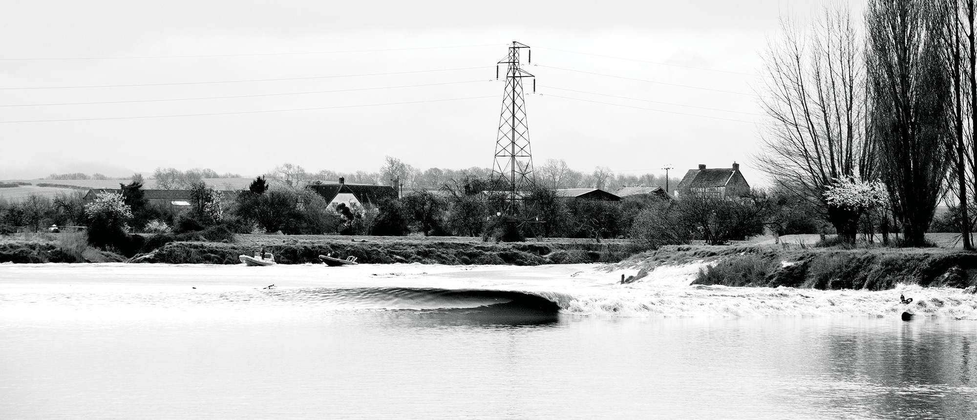 Welcome To The Severn Bore The Art Of Riding Britain S