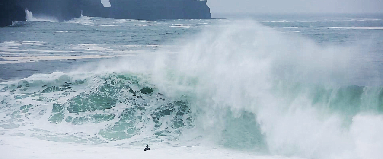 On Reefs: Ollie O'Flaherty And The Riley's Ravine - Wavelength Surf Magazine - since 1981